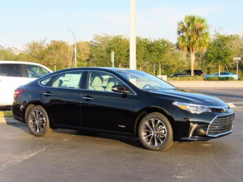 New Toyota Avalon Hybrid XLE Plus