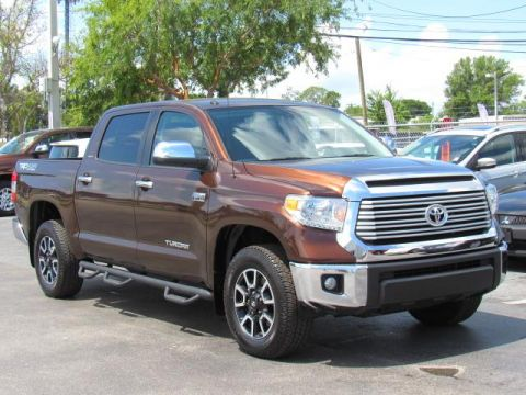 Certified Pre-Owned 2017 Toyota Tundra Limited CrewMax 5.5' Bed 5.7L FFV