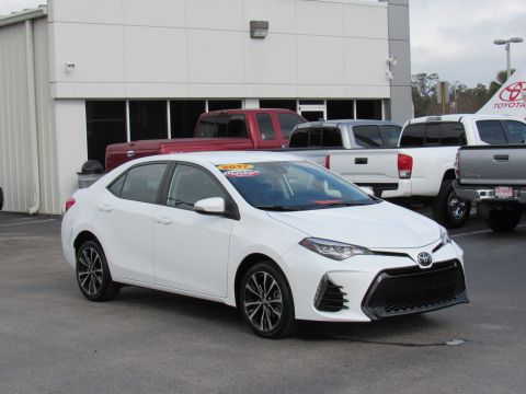 Certified Pre-Owned 2017 Toyota Corolla SE CVT