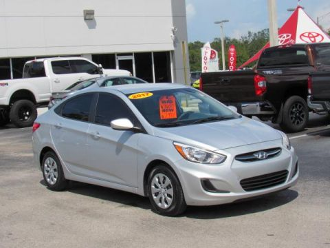 Pre-Owned 2017 Hyundai Accent SE Sedan Auto