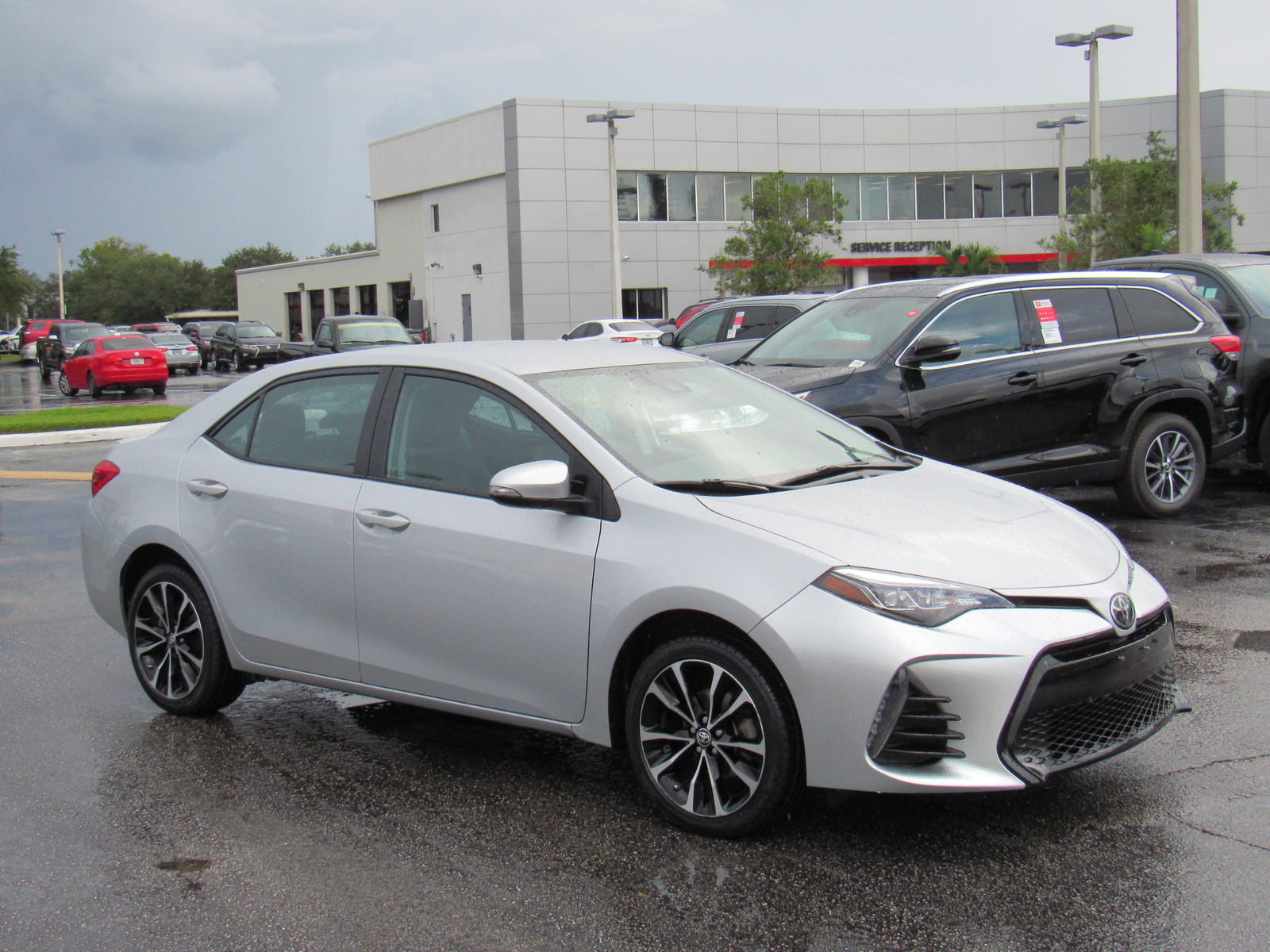 Certified Pre-Owned 2018 Toyota Corolla SE CVT (Natl)
