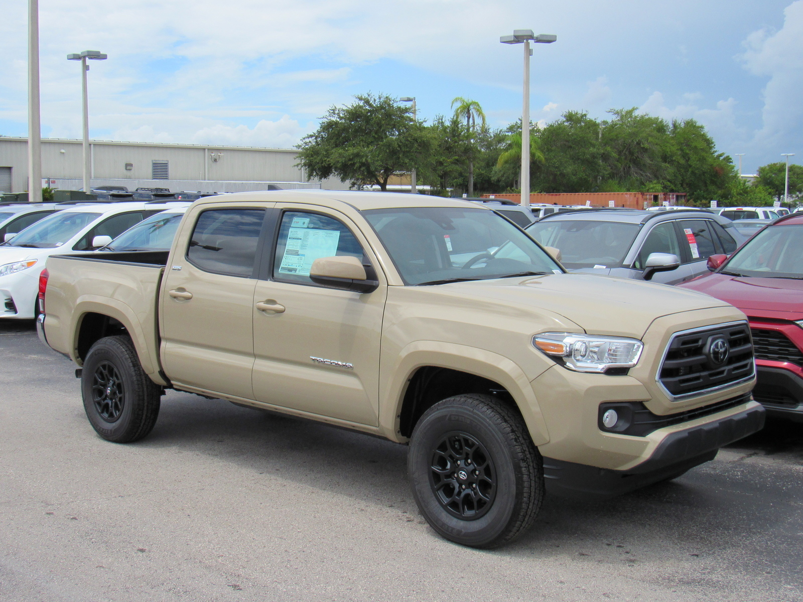 New 2019 Toyota Tacoma 2WD SR5 Double Cab 5' Bed V6 AT (Natl)