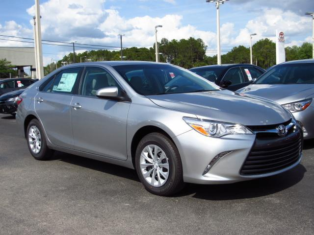 new 2017 toyota camry le auto sedan in tampa 172613 stadium toyota. Black Bedroom Furniture Sets. Home Design Ideas