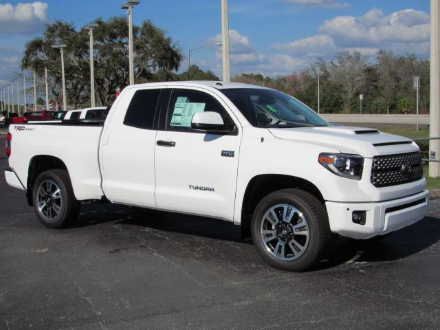 new 2018 toyota tundra 2wd sr5 double cab 6 5 39 bed 5 7l. Black Bedroom Furniture Sets. Home Design Ideas