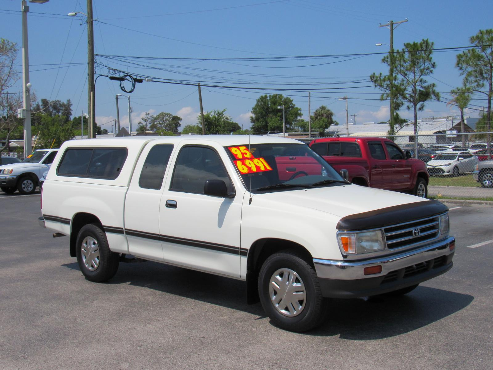 Pre-Owned 1995 Toyota T100 Xtracab 3.4L V6 Manual DX