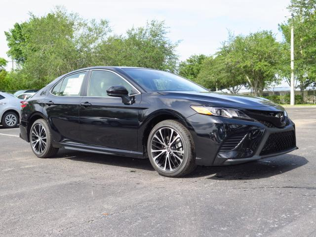 new 2018 toyota camry se auto sedan in tampa 180058 stadium toyota. Black Bedroom Furniture Sets. Home Design Ideas