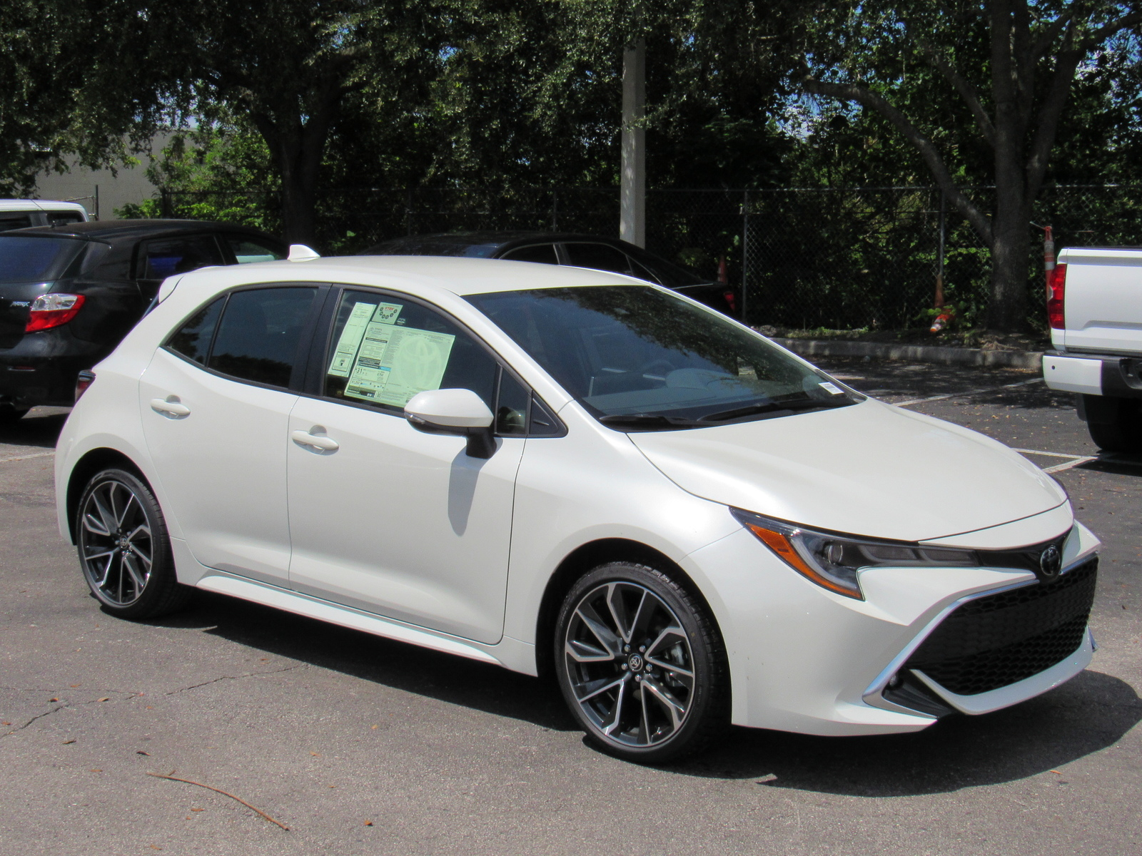 New 2019 Toyota Corolla Hatchback XSE Manual (Natl)
