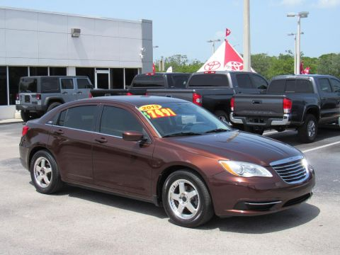 Pre-Owned 2013 Chrysler 200 4dr Sdn Touring Front Wheel Drive