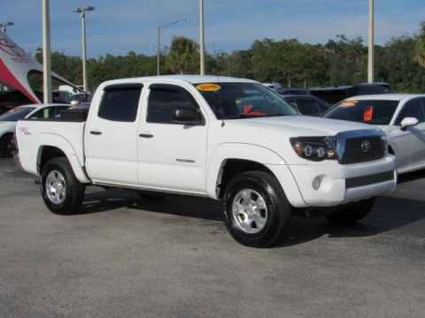 Certified Pre-Owned 2010 Toyota Tacoma 2WD Double V6 AT PreRunner