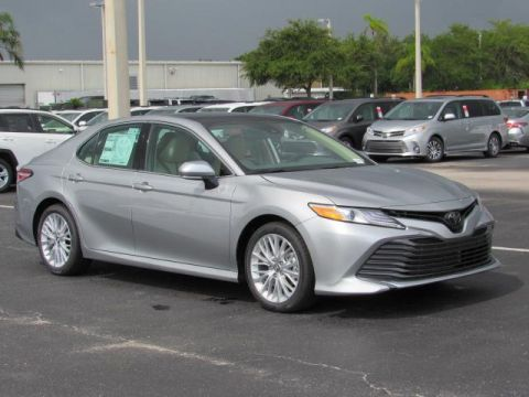 New 2019 Toyota Camry XLE Auto FWD