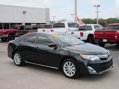 Certified Pre-Owned 2013 Toyota Camry Hybrid 4dr Sdn XLE (Natl)