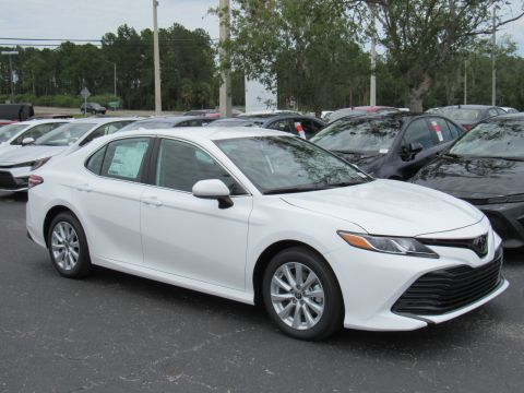 New 2020 Toyota Camry LE Auto