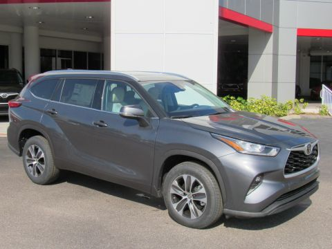 New 2020 Toyota Highlander XLE FWD (Natl) XLE FWD (Natl) Front Wheel Drive