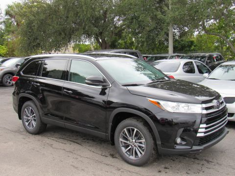 New 2019 Toyota Highlander XLE V6 AWD (Natl) XLE V6 AWD (Natl) All Wheel Drive