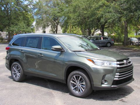 New 2019 Toyota Highlander XLE V6 FWD With Navigation