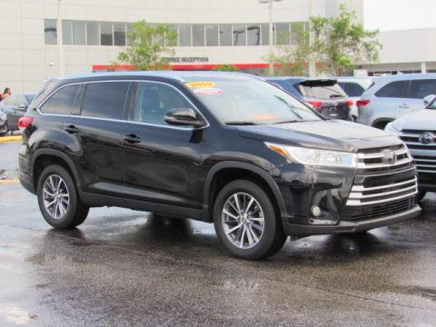Certified Pre-Owned 2019 Toyota Highlander XLE V6 FWD FWD