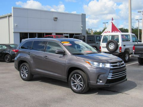 Certified Pre-Owned 2019 Toyota Highlander XLE V6 FWD (Natl) Front Wheel Drive