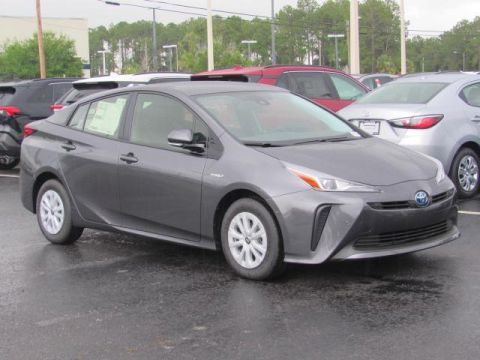 New 2019 Toyota Prius LE FWD
