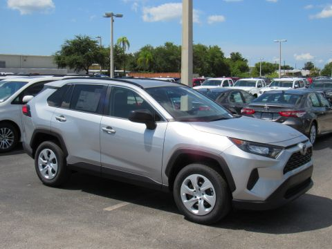 New 2019 Toyota RAV4 LE FWD (Natl) Front Wheel Drive