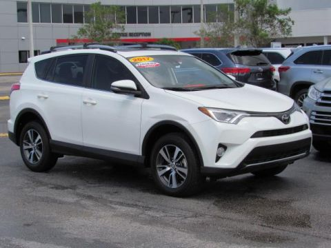 Certified Pre-Owned 2017 Toyota RAV4 XLE FWD FWD