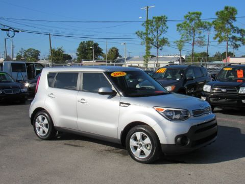Pre-Owned 2017 Kia Soul Base Auto Base Auto Front Wheel Drive