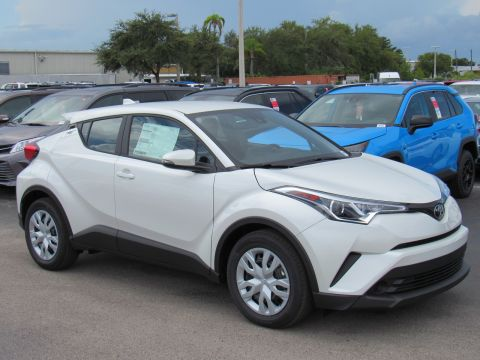 New 2019 Toyota C-HR LE FWD (Natl)